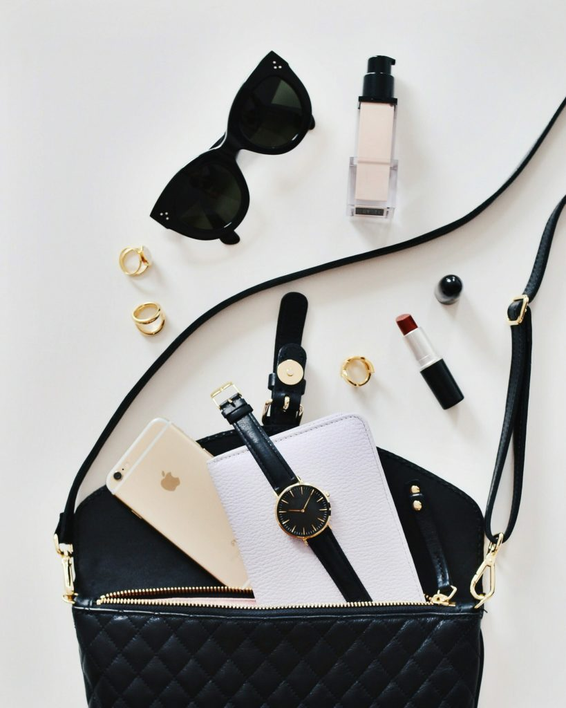 Perfect Flatlays For Instagram perfect flatlays for instagram Perfect Flatlays For Instagram (Easy Tips) Wolf Global Perfect Flatlays For Instagram Cover 819x1024
