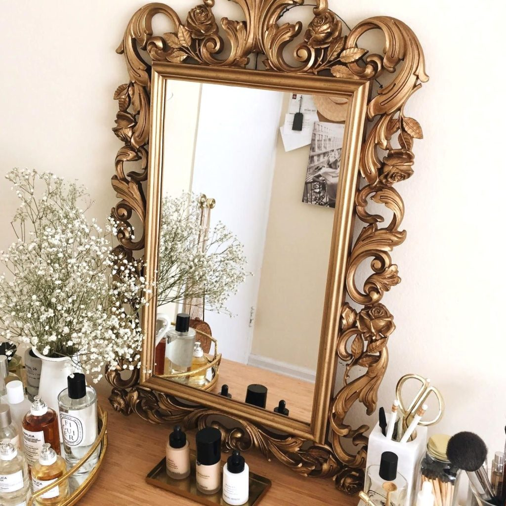 Wolf Global_Instagramable Home Decor Accessories_Mirror